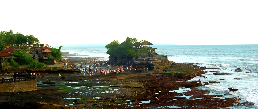 The incredible Tanah Lot complex