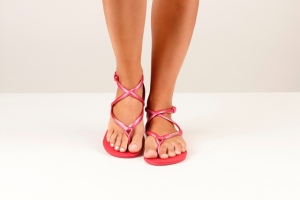 HAVAIANAS_MODEL_Grace_ChiliRed
