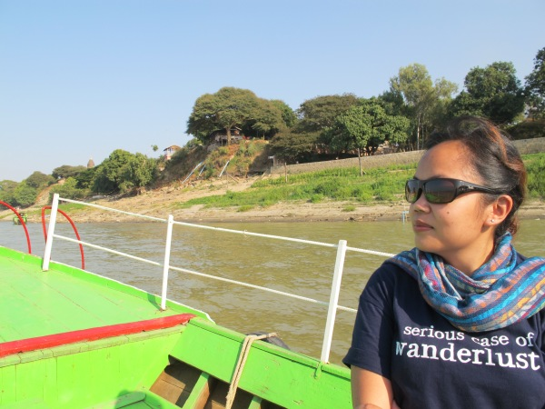 A simple t-shirt & scarf for a boat ride in Myanmar